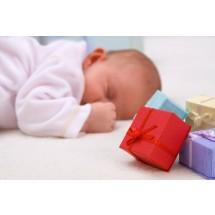 W pierwszym roku życia dziecka nie brakuje okazji do obdarowywania. Pierwsza to oczywiście narodziny.