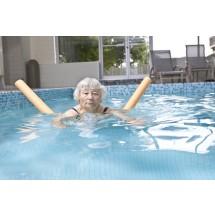 Ćwiczenia w wodzie są polecane nawet dla seniorów, którzy już zmagają się z zaawansowaną osteoporozą.