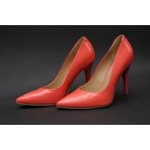 Szpilki, baletki, japonki - te typy obuwia nie służą stopom. Można je zakładać, ale nie codziennie!