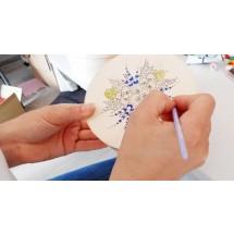 W pracowni Senior Designu można skorzystać z warsztatów adresowanych do osób w wieku 60+, członków lokalnych klubów seniora czy słuchaczy dolnośląskich Uniwersytetów Trzeciego Wieku