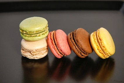 Niepohamowany apetyt na słodycze może świadczyć o kandydozie.