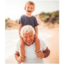 Dużym atutem oferty jest możliwość podróżowania z osobą towarzyszącą w różnym przedziale wiekowym, która zyskuje te same przywileje co senior.