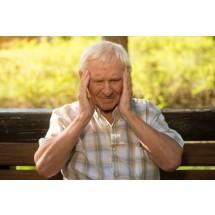 Niektórzy pacjenci przed pojawieniem się ataku, obserwują u siebie silne odczuwanie zapachów, mają zaburzenia wzrokowe, nadwrażliwość na światło dźwięk, są rozdrażnieni, boli ich głowa