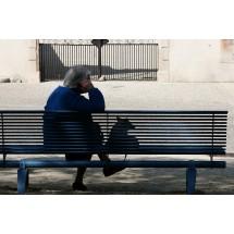 Według autorów badania PolSenior, z braku pieniędzy wynika izolowanie się czy ograniczanie kontaktów społecznych.