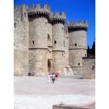 Rodos stolica wyspy. Tu znajduje się Pałac Wielkiego Mistrza - największa atrakcja do zwiedzania