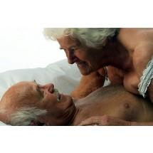 Nie ma wieku, w którym powinno się powiedzieć: jestem za stary, za stara na seks. Za stary na bliskość? Na uczucia?