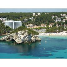 Cala Santa Galdana – uważana jest za jedną z najpiękniejszych zatoczek na Minorce. Jest tu plaża i kąpielisko