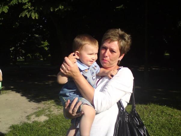 Babcia weźmie na ręce nawet jak jest jej trochę ciężko.
