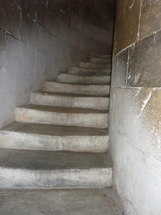 W superbly Wąskie schody prowadzące na Krzywą Wieżę. UP65