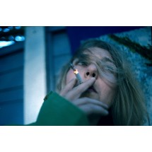 Palenie papierosów nie tylko przyczynia się do wielu chorób, ale też przyspiesza proces starzenia.