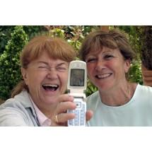 Popuszczanie moczu np. podczas śmiechu, jest na ogół spowodowane nadmierną ruchomością pęcherza moczowego i/lub cewki moczowej, osłabieniem mięśni zwieraczy cewki lub oboma tymi elementami.