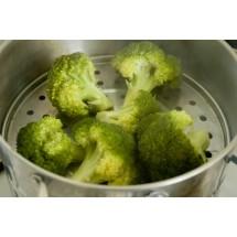 Najbezpieczniejszą pod względem kaloryczności grupą produktów są warzywa.