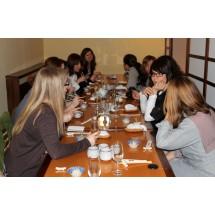 W sierpniu 2012, spotkanie odbyło się  przy przysmakach kuchni greckiej w restauracji Paros.