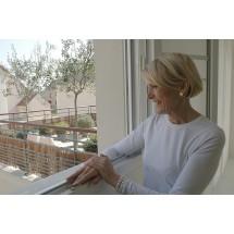 Można dotleniać skórę naturalnymi środkami. Spać przy otwartym oknie, przynajmniej raz dziennie spacerować.