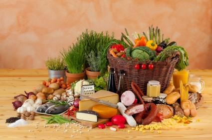 Jeżeli z przyczyn zdrowotnych niemożliwe jest pełnowartościowe odżywianie się, należy po konsultacji z lekarzem uzupełniać brakujące składniki preparatami farmakologicznymi.