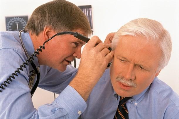 Z wiekiem stopniowo zawęża nam się zakres częstotliwości dźwięków, które słyszymy. Najpierw przestajemy słyszeć dźwięki wysokie.