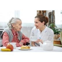 Troska o zbilansowaną dietę seniora to ważny element terapii